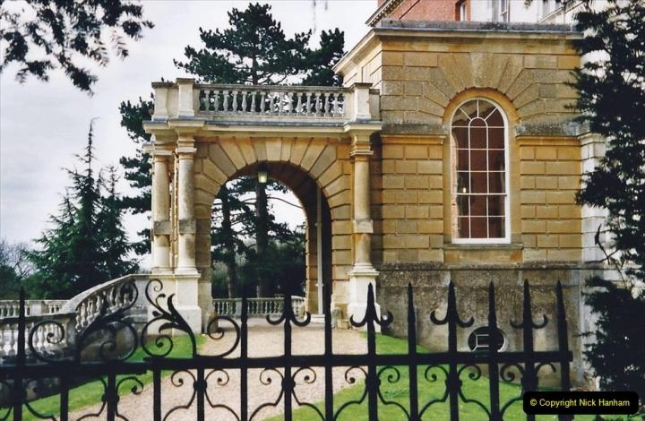 2001 Miscellaneous. (82) Clandon Park, Guildford, Surrey. 082