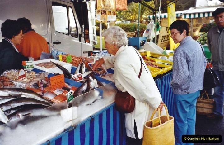 2001 September in France. (25) Market at Carantec. 25