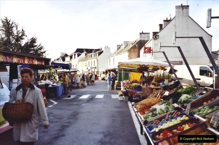 2001 September in France. (26) Market at Carantec. 26