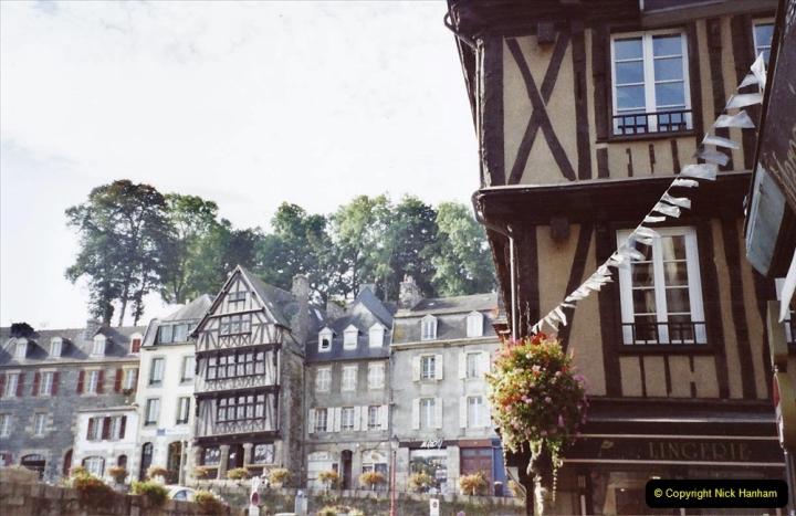 2001 September in France. (35) Morlaix. 35