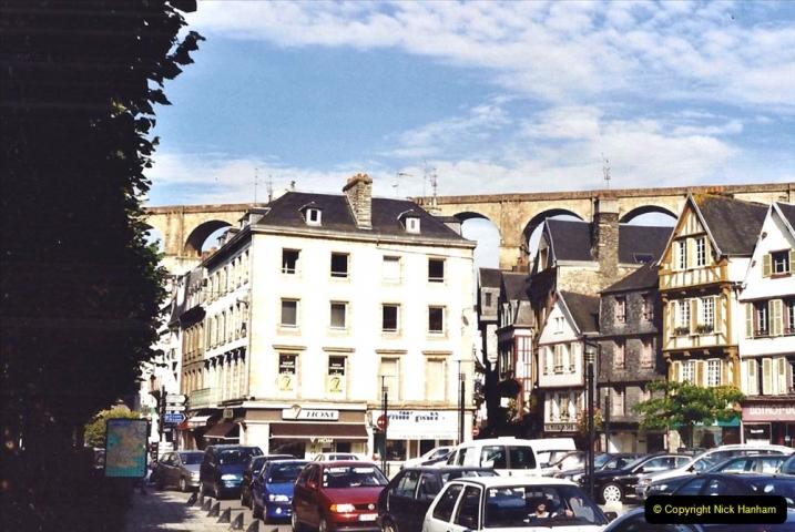 2001 September in France. (36) Morlaix. 36