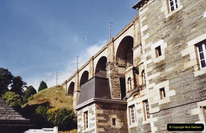 2001 September in France. (41) Morlaix. 41