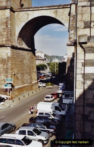 2001 September in France. (42) Morlaix. 42