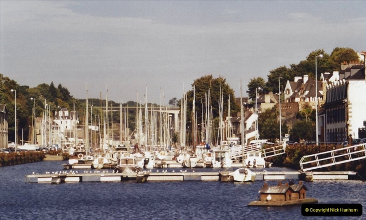 2001 September in France. (43) Morlaix. 43