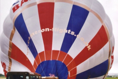 2002 August 19 Balloon Flight over Dorset by your Hosy and Wife. (9) Balloon preparation. 09