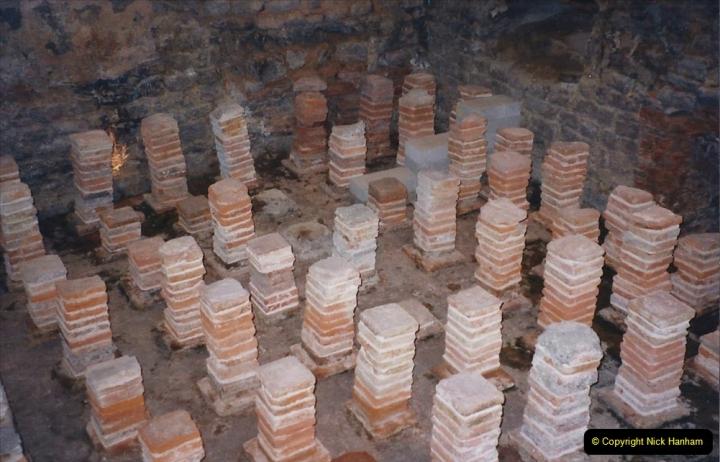2002 Miscellaneous. (30) Bath Spa and the Baths. Roman underfloor heating.030