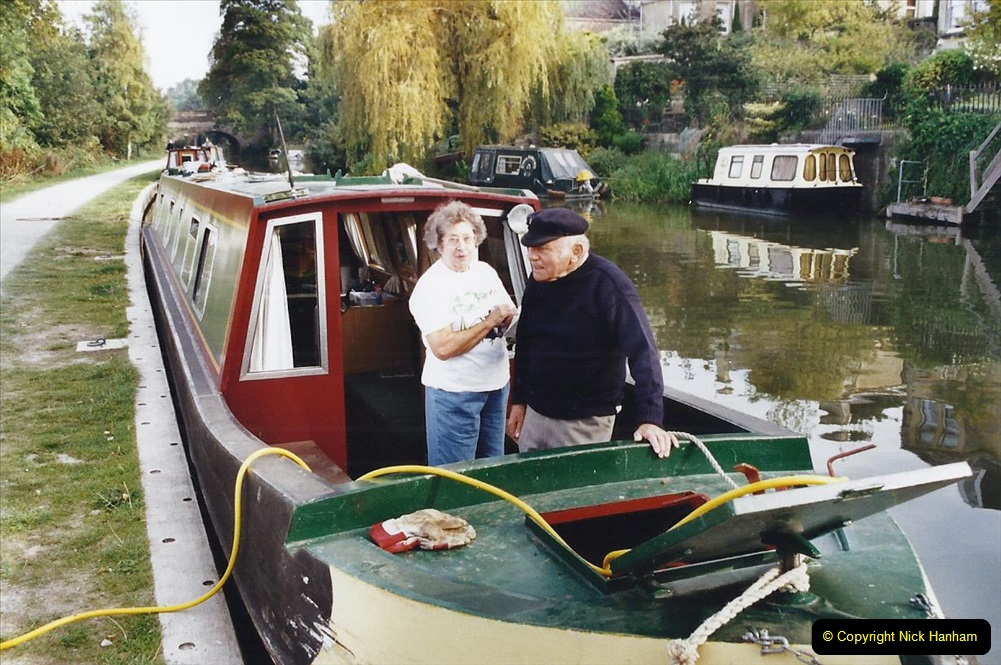 2002 Kennet & Avon Canal and The River Avon narrow boat trip with friends. (37) Bath, Somerset. 037
