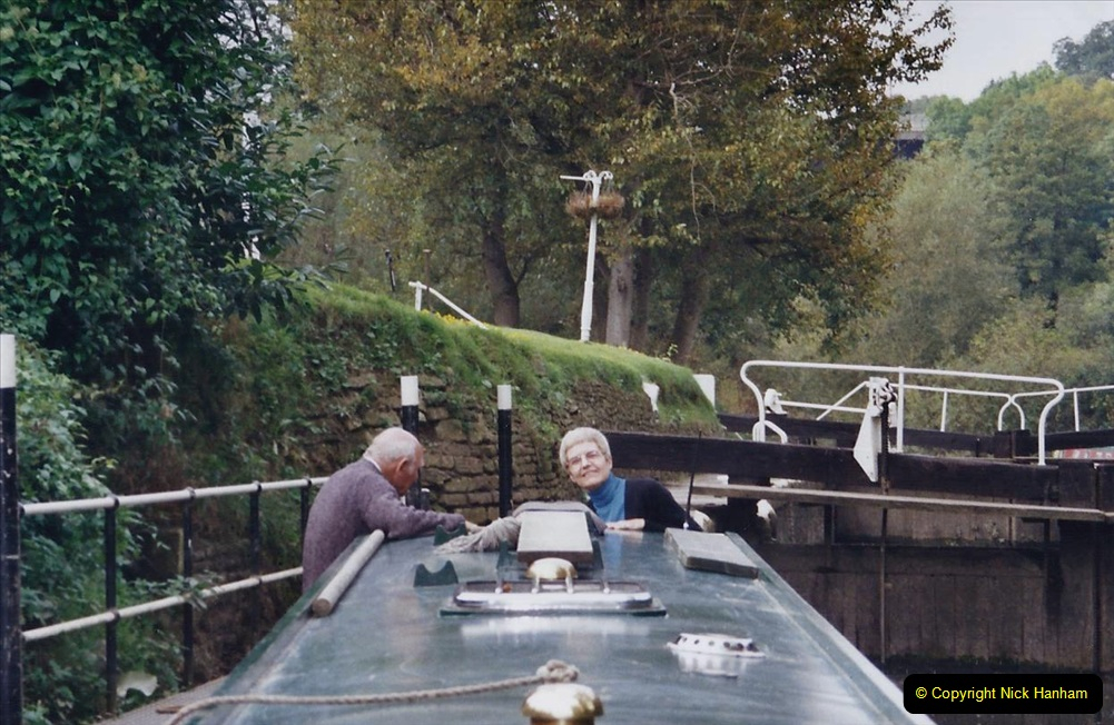 2002 Kennet & Avon Canal and The River Avon narrow boat trip with friends. (68) Now on the River Avon to Bristol. 068