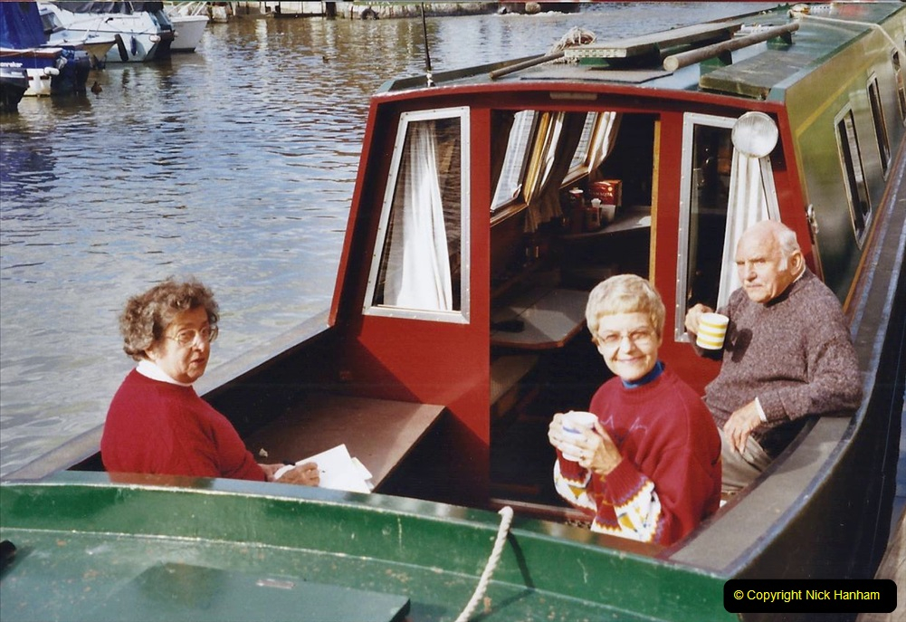 2002 Kennet & Avon Canal and The River Avon narrow boat trip with friends. (99) Bradford on Avon. 099