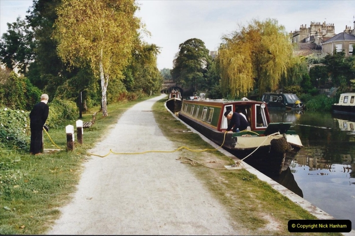 2002 Kennet & Avon Canal and The River Avon narrow boat trip with friends. (39) Bath, Somerset. 039