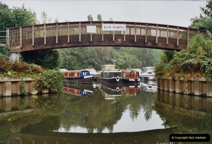 2002 Kennet & Avon Canal and The River Avon narrow boat trip with friends. (55) Now on the River Avon to Bristol. 055