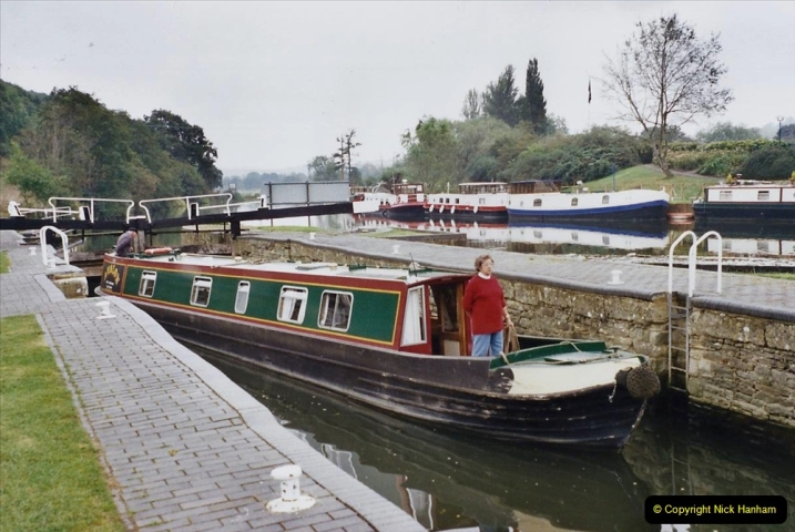 2002 Kennet & Avon Canal and The River Avon narrow boat trip with friends. (61) Now on the River Avon to Bristol. 061