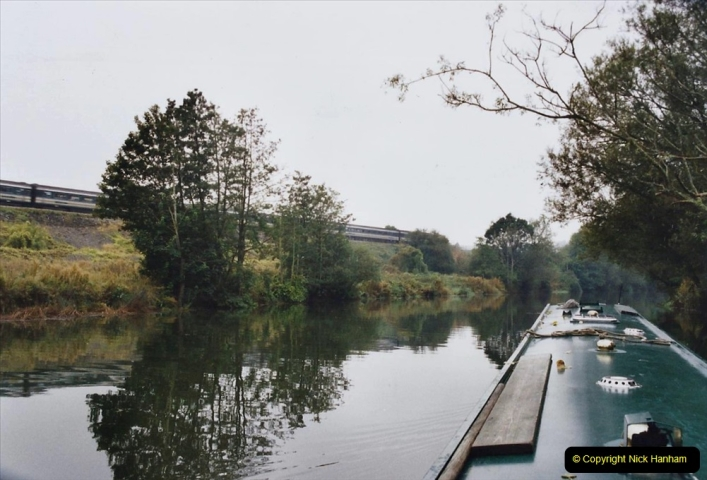 2002 Kennet & Avon Canal and The River Avon narrow boat trip with friends. (62) Now on the River Avon to Bristol. 062