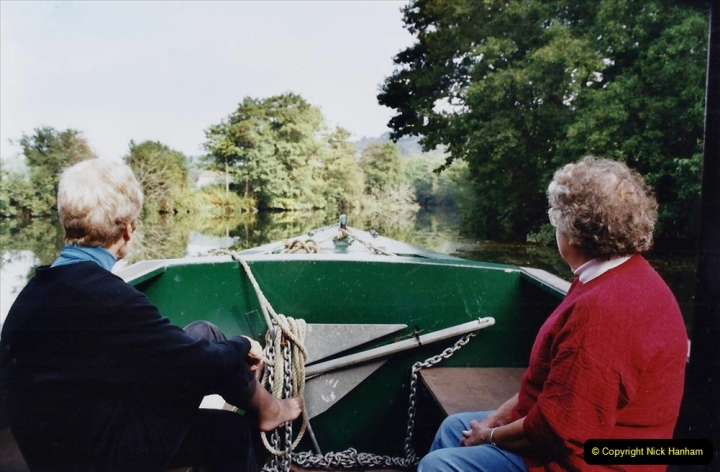 2002 Kennet & Avon Canal and The River Avon narrow boat trip with friends. (66) Now on the River Avon to Bristol. 066