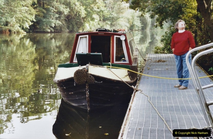 2002 Kennet & Avon Canal and The River Avon narrow boat trip with friends. (67) Now on the River Avon to Bristol. 067