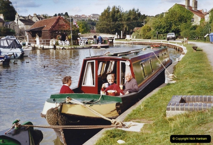 2002 Kennet & Avon Canal and The River Avon narrow boat trip with friends. (98) Bradford on Avon. 098