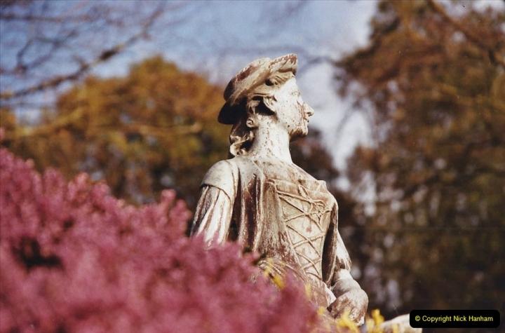 2003 Miscellaneous. (36) Compton Acres Gardens, Poole, Dorset.