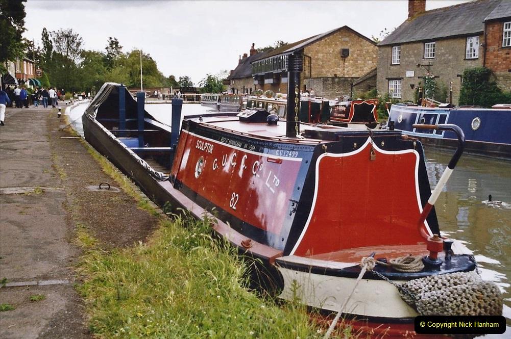 2004 June - The Grand Union Canal Blisworth,  Northampton, Noprthamptonshire.  (15)