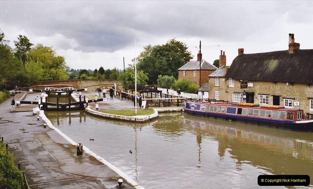2004 June - The Grand Union Canal Blisworth,  Northampton, Noprthamptonshire.  (2)