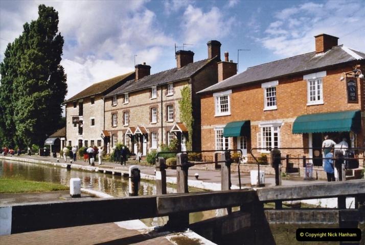 2004 June - The Grand Union Canal Blisworth,  Northampton, Noprthamptonshire.  (5)