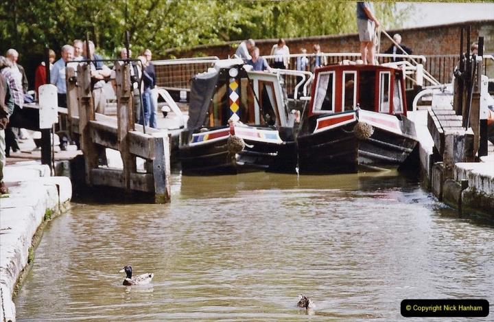2004 June - The Grand Union Canal Blisworth,  Northampton, Noprthamptonshire.  (8)