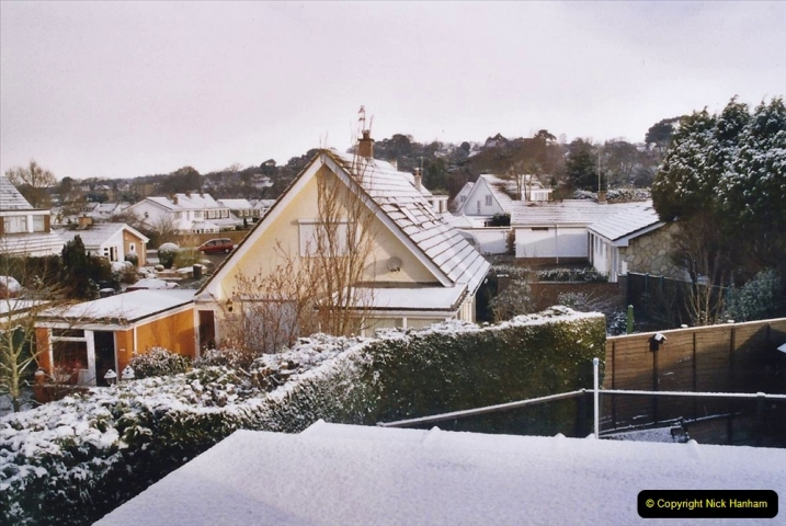 2004 Miscellaneous. (28) More snow in Poole.