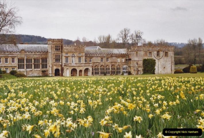 2004 Miscellaneous. (59) Forde Abbey, Dorset group visit.
