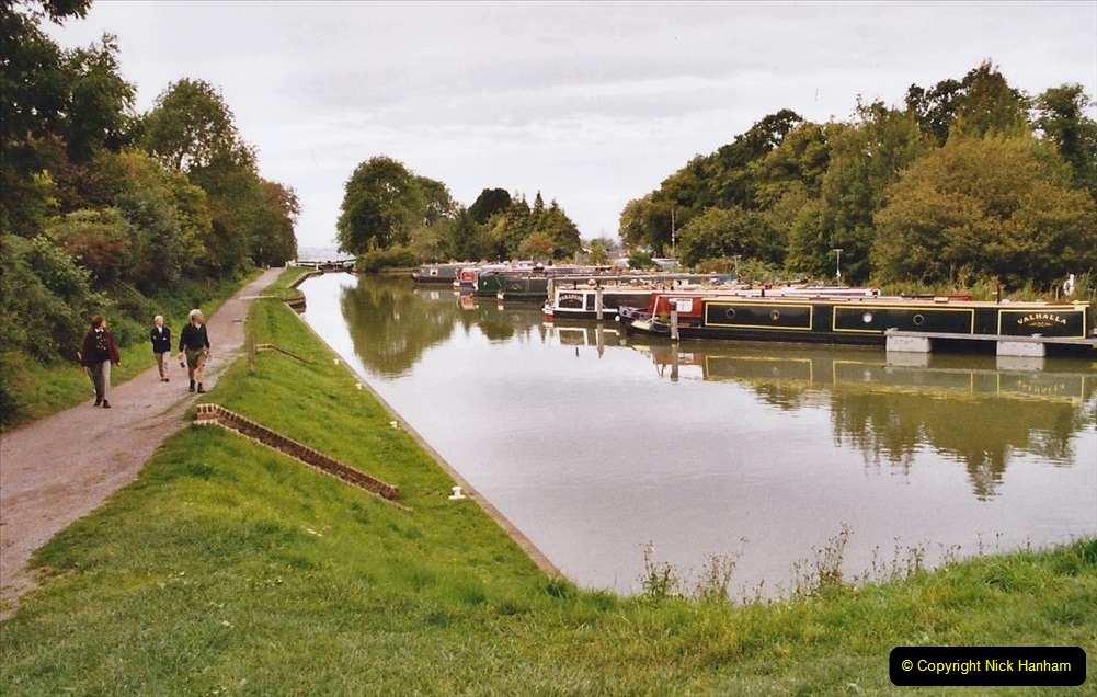 2004 October - Kennet & Avon Canal Holiday (16) Trowbridge - Cane Flight - Bath - Trobridge. 16