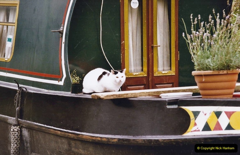 2004 October - Kennet & Avon Canal Holiday (20) Trowbridge - Cane Flight - Bath - Trobridge. 20