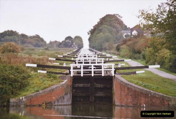 2004 October - Kennet & Avon Canal Holiday (10) Trowbridge - Cane Flight - Bath - Trobridge. 10
