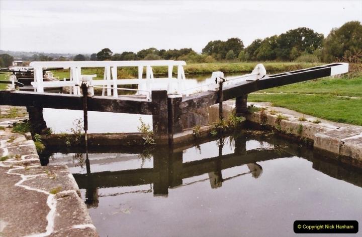 2004 October - Kennet & Avon Canal Holiday (13) Trowbridge - Cane Flight - Bath - Trobridge. 13