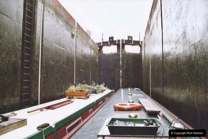 2004 October - Kennet & Avon Canal Holiday (22) Trowbridge - Cane Flight - Bath - Trobridge. 22