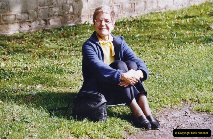 2004 October - Kennet & Avon Canal Holiday (32) Trowbridge - Cane Flight - Bath - Trobridge. 32