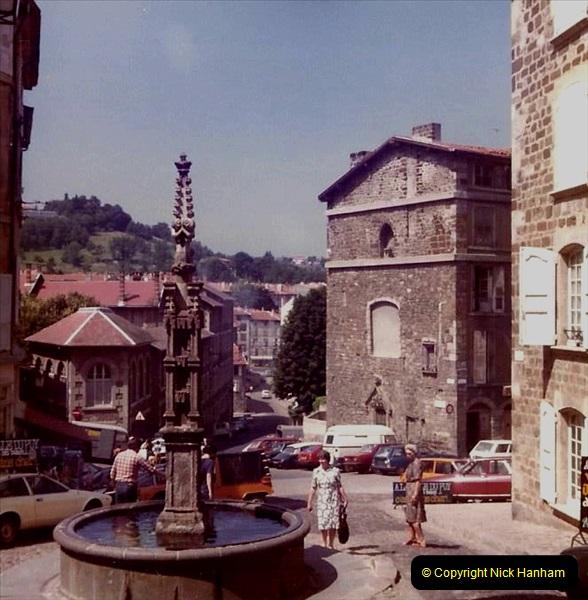 Retrospective France 1979 North Central - Paris - North Central.  (36) Le Puy. 36