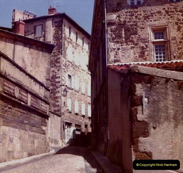 Retrospective France 1979 North Central - Paris - North Central.  (41) Le Puy. 41