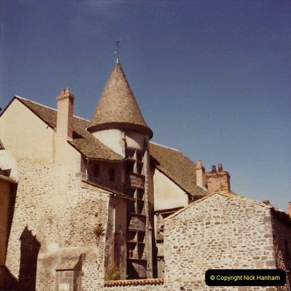 Retrospective France 1979 North Central - Paris - North Central.  (72) St. Flour. 72