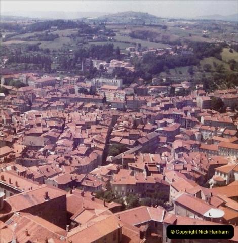 Retrospective France 1979 North Central - Paris - North Central.  (32) Le Puy. 32