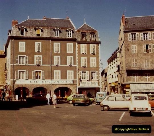 Retrospective France 1979 North Central - Paris - North Central.  (69) St. Flour. 69