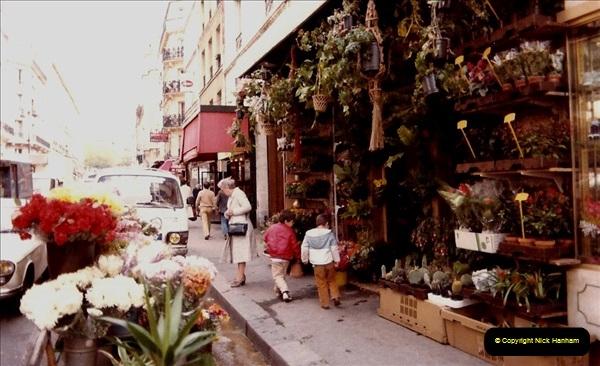 FRANCE 1982. Paris. (2) 10