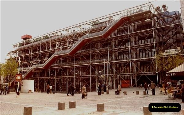 FRANCE 1982. Paris. (9) 17