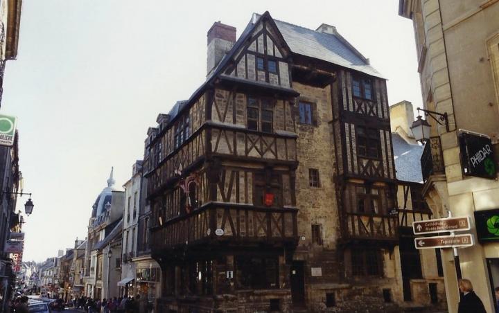 1990 Retrospective France North West and Paris, School Visit. (46) Bayeux. 046