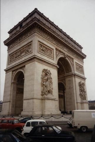 1990 Retrospective France North West and Paris, School Visit. (69) Paris. 069