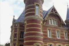 1990 Retrospective France North West and Paris, School Visit. (13) Our school hotel Chateau De La Guerche. 013