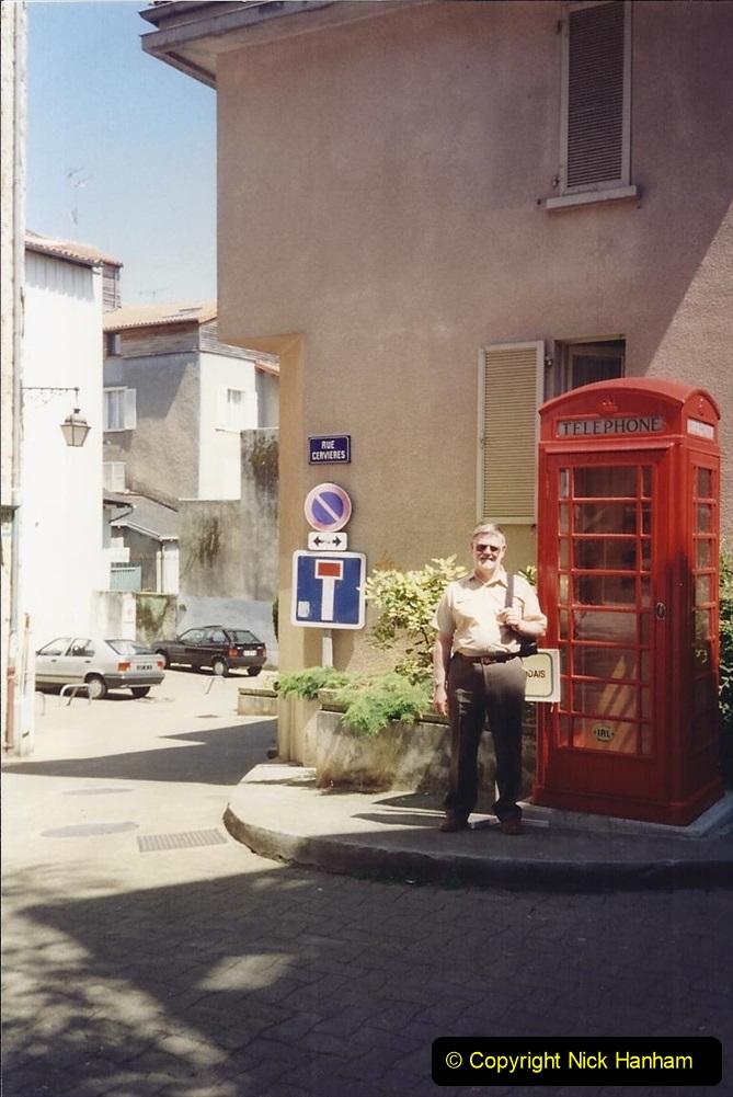 1994 France. (107) Limoges. Your Host.112