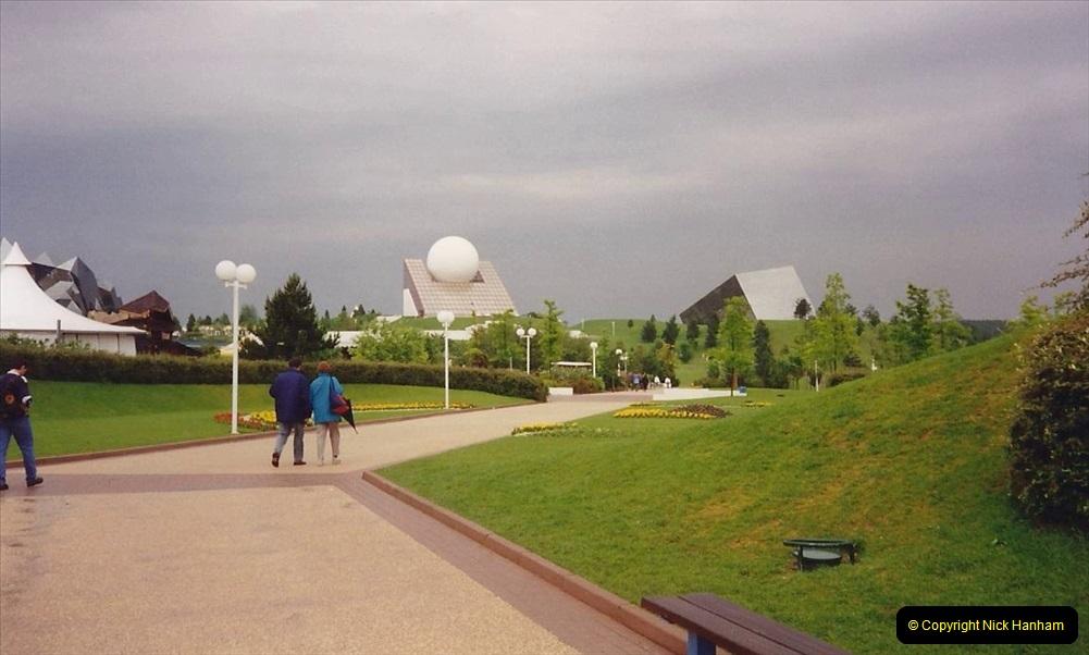1994 France. (113) Futuroscope Theme Park. 118