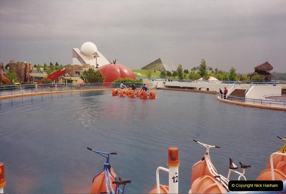 1994 France. (114) Futuroscope Theme Park. 119
