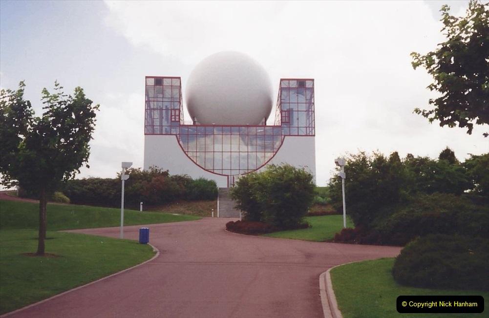 1994 France. (117) Futuroscope Theme Park. 122