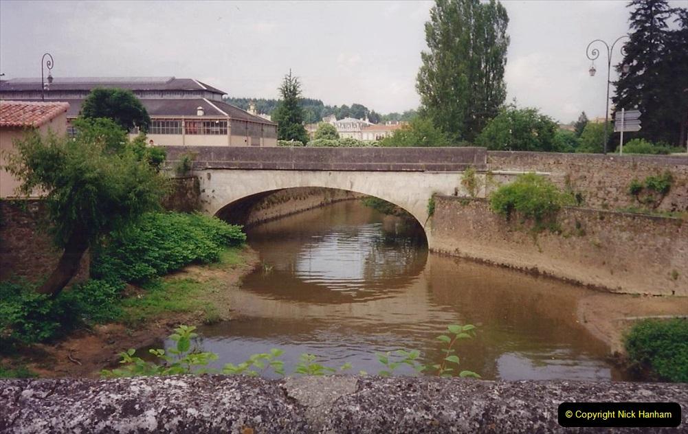 1994 France. (69) Confolens. 069
