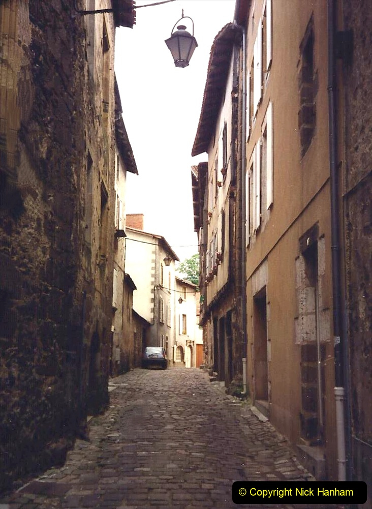 1994 France. (71) Confolens. 071