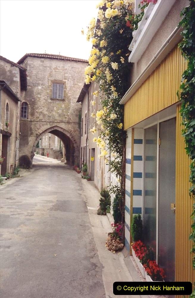 1994 France. (75) Charroux. 075